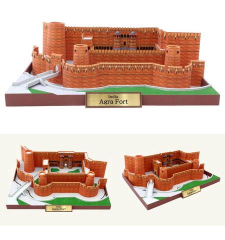 Agra Fort - форт в индийском городе Агра, называемый также Красный форт